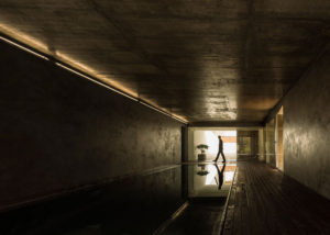 The-Hill-Cork-House-by-Contaminar-Arquitectos_dezeen_ss_6.jpg